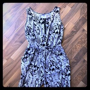 Other - Beautiful new black and white floral romper crop💜
